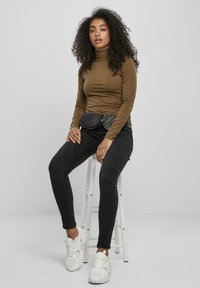 Urban Classics - Long sleeved top - summerolive - 4