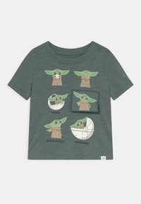 GAP - TODDLER BOY FLIPPY - Print T-shirt - district green - 0