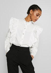 Sister Jane - MARY'S REIGN RUFFLE - Button-down blouse - ivory - 2