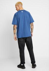 adidas Originals - TREFOIL TEE - T-shirt print - marine - 2