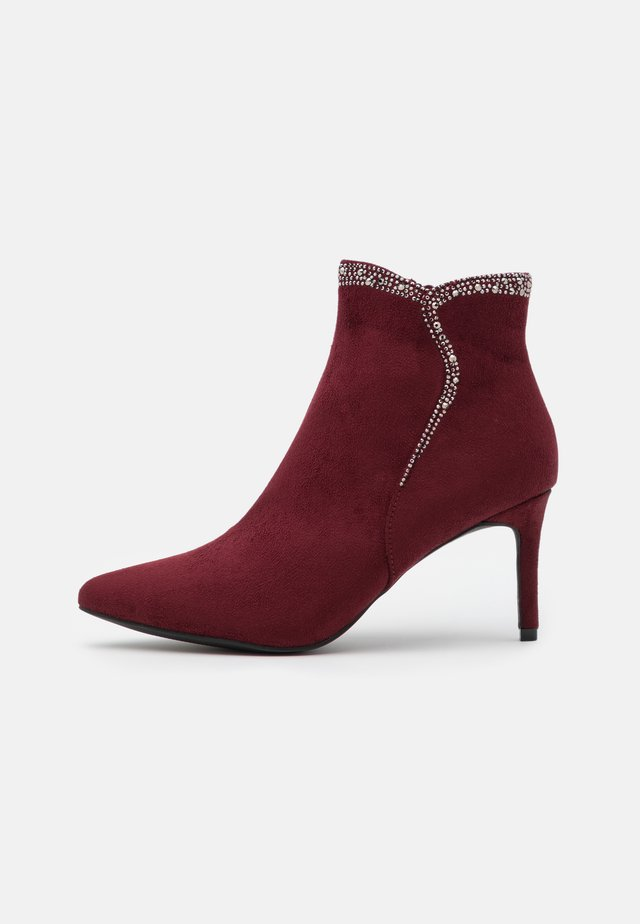 Ankle boots - ruby
