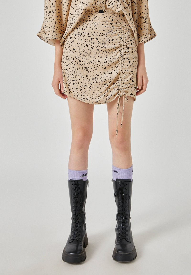 PULL&BEAR - Áčková sukně - beige