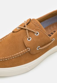 Sperry - BAHAMA PLUSHWAVE - Boat shoes - tan - 5