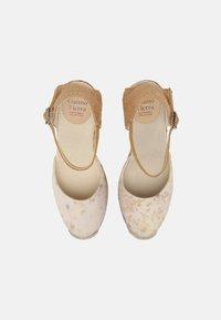 Gaimo - GLOBAL TERRA TINTE - Sandały na koturnie - eucalipto - 5
