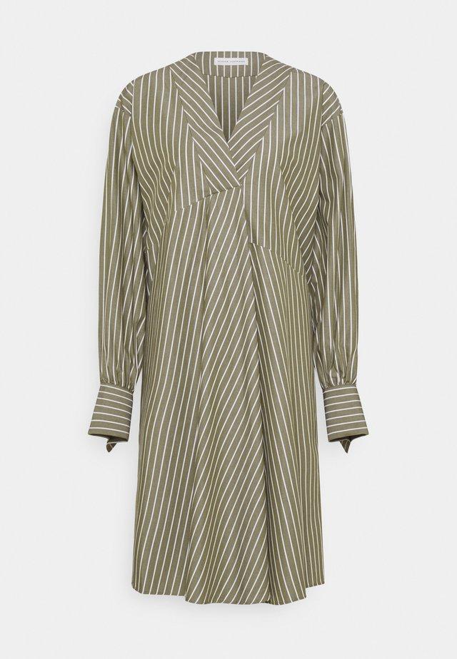 KIVO - Robe d'été - sage green