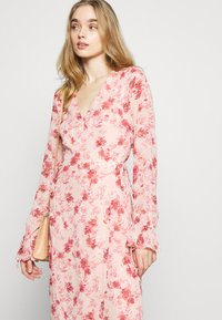 NA-KD - TIE STRAP OVERLAP DRESS - Day dress - rose - 3