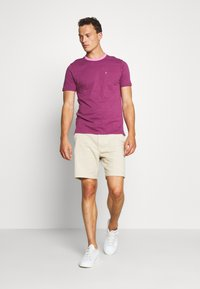 Farah - GROOVE TEE - Basic T-shirt - hippie purple - 1