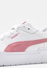 Puma - CALI SPORT SD - Trainers - white/foxglove - 2