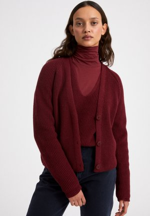 ADRIAANE - Vest - ruby red
