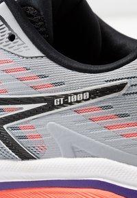 ASICS - GT-1000 8 - Obuwie do biegania treningowe - piedmont grey/black - 5