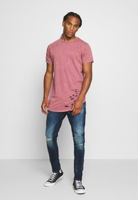 Brave Soul - GENKO - Print T-shirt - pink acid wash - 1