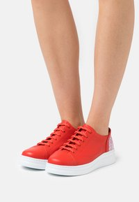 Camper - TWINS - Trainers - bright red - 0