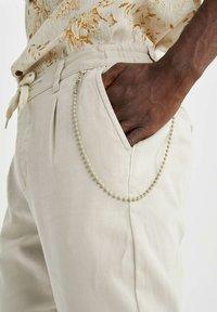 DeFacto - Pantalon classique - beige - 4