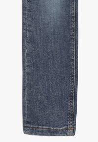 Tommy Hilfiger - STEVE SLIM TAPERED  - Slim fit jeans - denim - 2