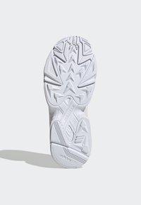 adidas Originals - SHOES - Sneakersy niskie - pink - 5