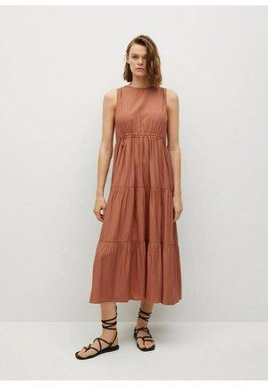 ABRIL - Maxi dress - oranje