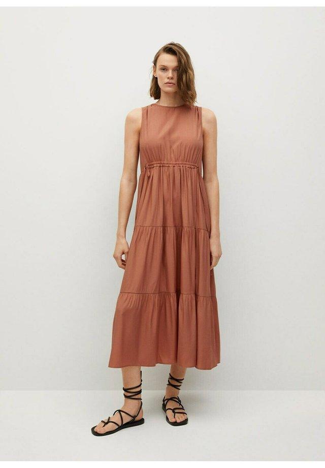ABRIL - Długa sukienka - oranje