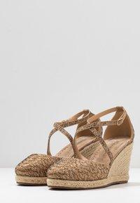 Alma en Pena - High heeled sandals - vison - 4