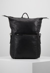 Royal RepubliQ - LUCID BACKPACK - Reppu - black - 5