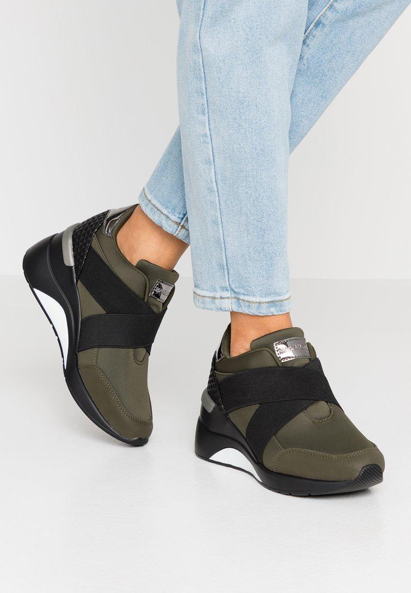 Mariamare - PRINCE - Nazouvací boty - khaki