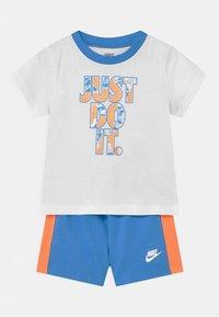 Nike Sportswear - TIDE POOL SET - T-shirt print - coast - 0