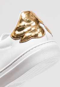 Roberto Cavalli - Trainers - white/gold - 5
