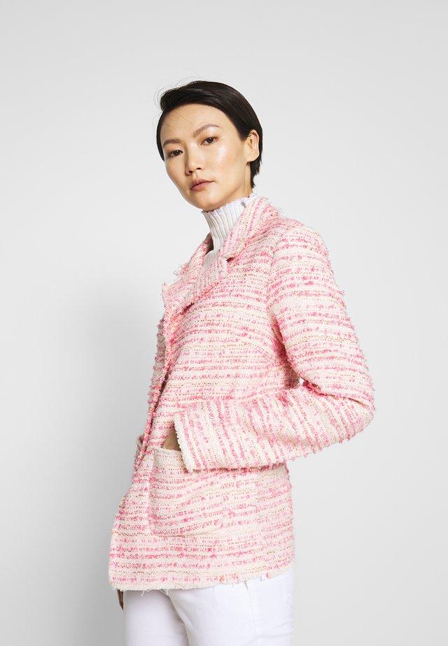 ROSE - Bleiseri - pink