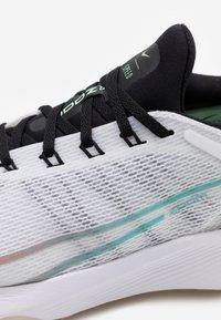 Nike Performance - AIR ZOOM SPEED - Neutral running shoes - white/flash crimson/hyper jade/black - 5