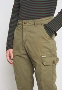 Blend - Cargo trousers - martini olive - 3