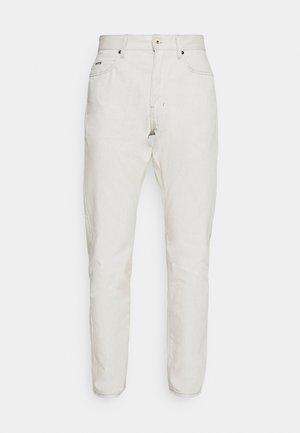 TRIPLE A REGULAR STRAIGHT  - Jeans straight leg - kara ecru
