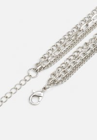 Urban Classics - SAFETY PIN LAYERING NECKLACE UNISEX - Necklace - silver-coloured - 1