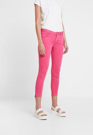 SUMNER AIR STEP PANT - Pantalon classique - raspberry sorbet