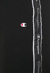 Champion - SHORTS - Sportovní kraťasy - black - 5