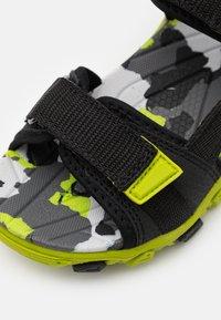 Superfit - HENRY - Walking sandals - schwarz/grün - 5