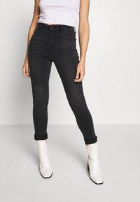Miss Sixty - BETTIE CROPPED - Jeans Skinny Fit - black - 0