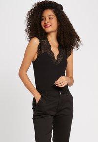 Morgan - DENA - Basic T-shirt - black - 0