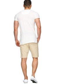 INDICODE JEANS - CARVER - Denim shorts - beige - 1