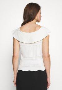 NAF NAF - PUNTA - Print T-shirt - milk - 2