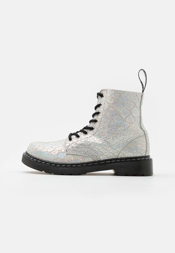 1460 PASCAL METALLIC - Lace-up ankle boots - white/silver