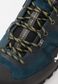 Millet - TRIDENT GUIDE GTX - Hiking shoes - orion blue - 5