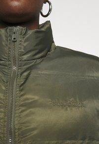 Casa Amuk - PUFFER JACKET - Winter jacket - olive - 5