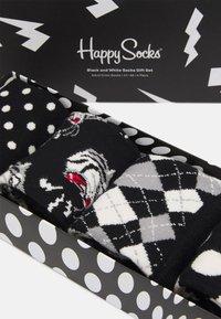 Happy Socks - SOCKS GIFT SET 4 PACK - Socks - black/white - 1