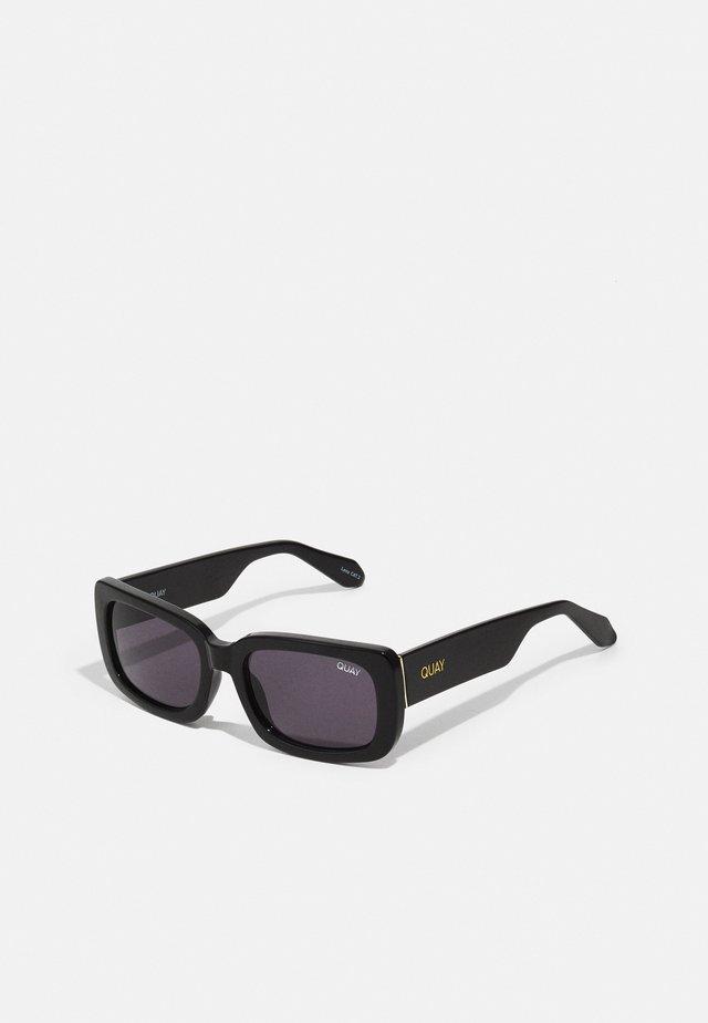 YADA YADA - Sluneční brýle - black/black