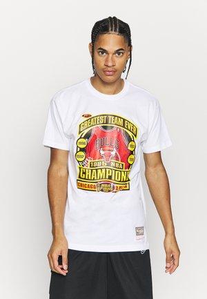 LAST DANCE BULLS '96 CHAMPS TEE - T-shirt imprimé - white