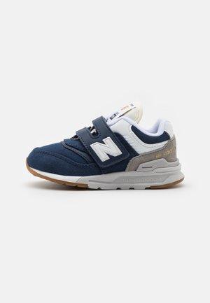 IZ997HHE UNISEX - Sneakersy niskie - navy