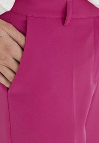 ICHI - IXLEXI - Trousers - fuchsia red - 3