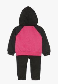 Nike Sportswear - BABY SET - Chándal - black - 1
