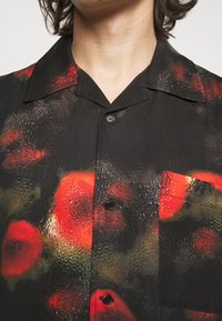 Henrik Vibskov - THE ARTIST - Shirt - black / multi-coloured - 6