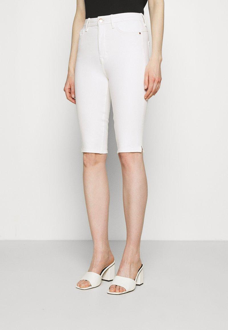 Marks & Spencer London - MAGIC - Denim shorts - white