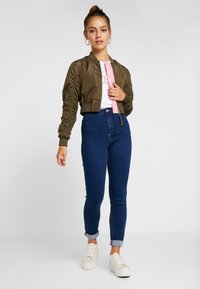 Missguided Petite - VICE HIGHWAISTED - Jeans Skinny Fit - dark blue - 1
